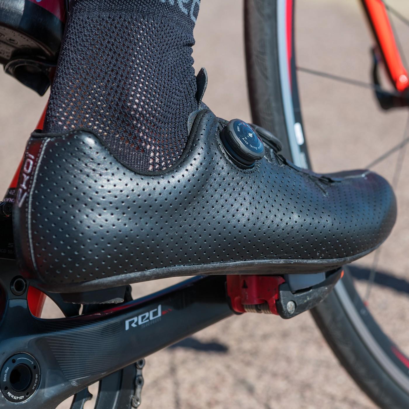 EKOI R6 LEATHER Black road cycling shoes
