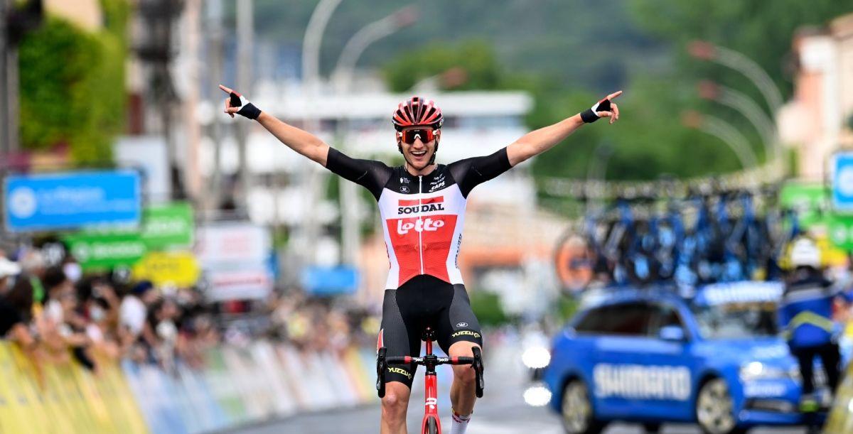 Brent Van Moer wins the 1st stage of the Critérium du Dauphiné