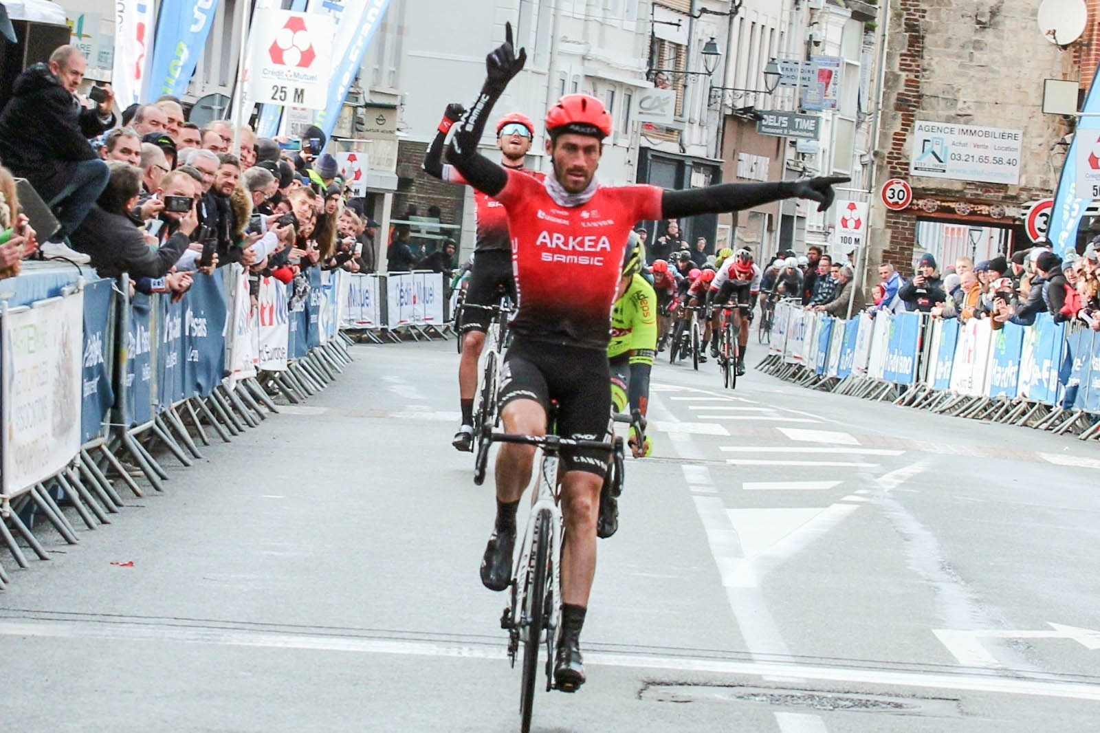 FLORIAN VACHON WINNER OF THE LILLERS GRAND PRIX ARKEA SAMSIC WITH TEXTILE AND EKOI GLASSES